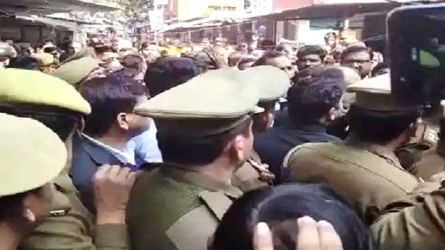 Lucknow Court Bomb Attack, Advocate Sanjeev Lodhi Bomb Attack, Advocate Sanjiv Lodhi Bomb Attack, Lucknow Civil Court Bomb Attack, Advocate Sanjiv Lodhi Lucknow, Lucknow Bar Association