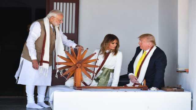 अमेरिकी राष्ट्रपति, डोनाल्ड ट्रंप, मेलानिया, इवांका, ताजमहल, विजिटर बुक,भारतीय संस्कृति, US President, Donald Trump, Melania, Ivanka, Taj Mahal, Visitor Book, Indian Culture