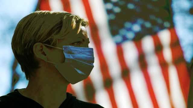 News Readers, Coronavirus, Lockdown in USA, America, US President Donald Trump Press Conference, Social Distancing, Coronavirus in America,