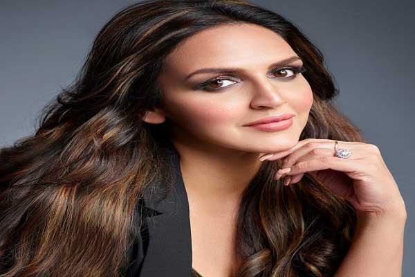 Hackers'eye on Bollywood celebs' social media accounts intensified, now Isha Deol's Instagram account hacked