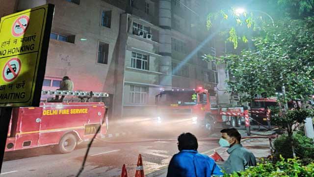 fire-on-9th-floor-of-delhi-aiims
