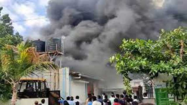pune-massive-fire-breaks-out-in-sanitizer-manufacturing-factory-17-workers-death